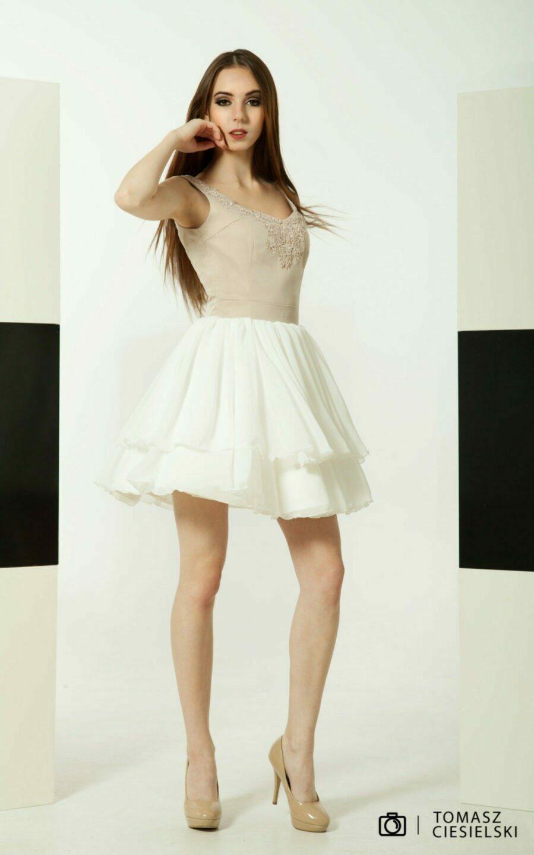 Flared dress in cappuccino and ecru colors