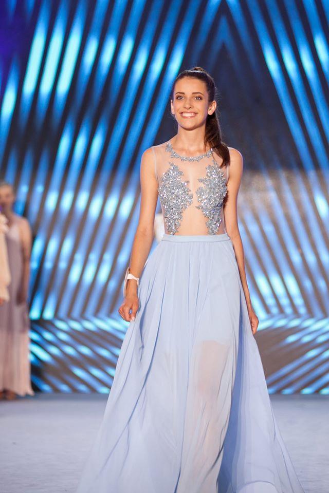 Blue – Romantyczna długa suknia w lazurowym kolorze
