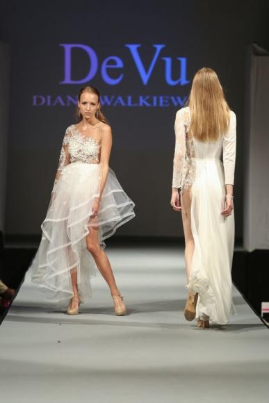 Suknia asymetryczna z koronkową górą