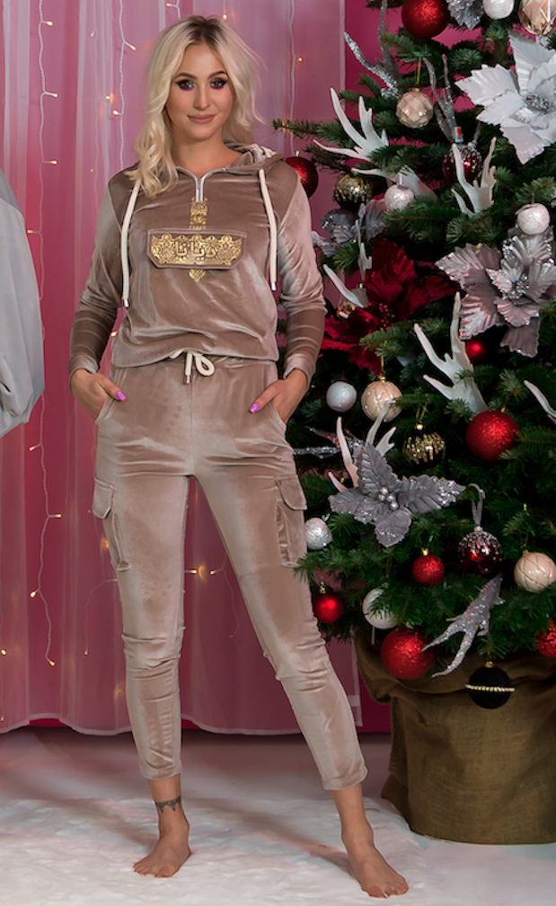 Dubai Gold – Tracksuit with Arabic patterns