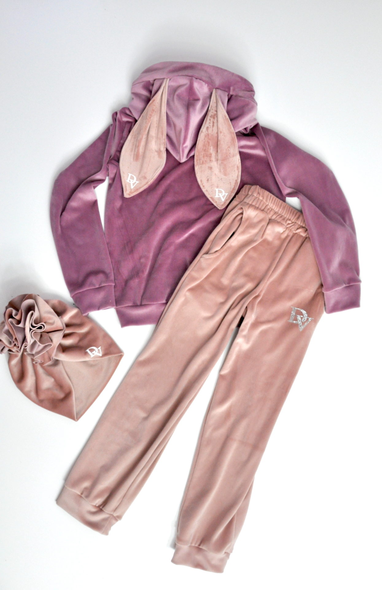 Bunny girls tracksuit in two colors with a turban with a frill