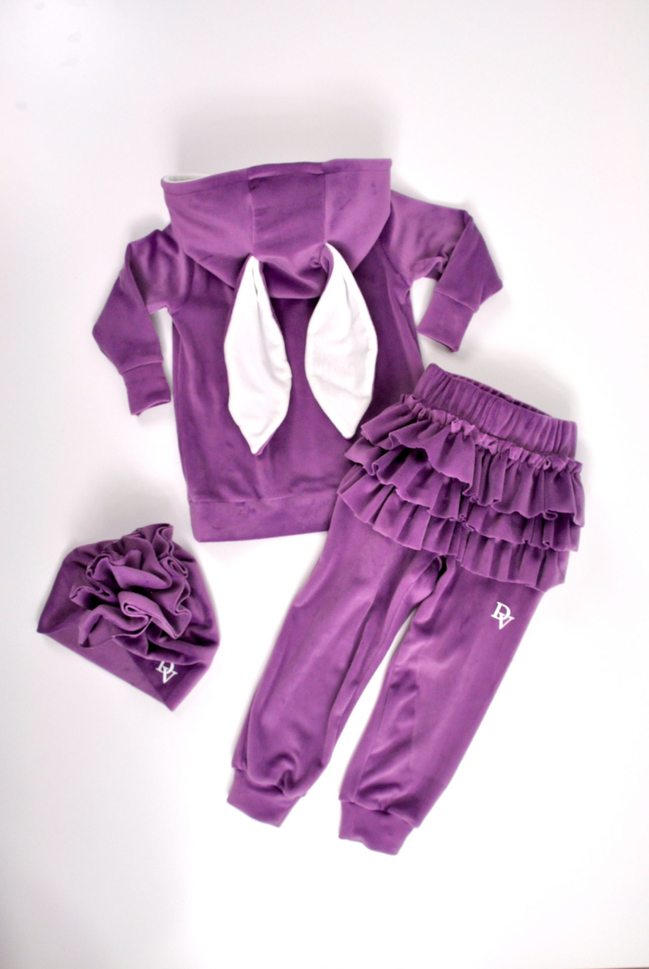 Girls' tracksuit Bunny Violet. Shorts with ruffles. Turban